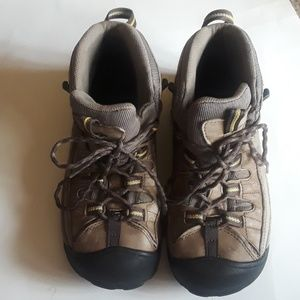 Keen Men's very sturdy shoes
